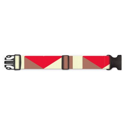Heart in a cube - Luggage Strap - Abstract geometry, red, contrasting, bright, elegant, statement, futuristic, spectacular, graphic, noble, asymmetrical, effective, stylish gift - design by Tiana Lofd