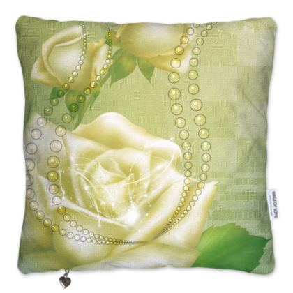 Beautiful roses in soft green colors Pillows Set