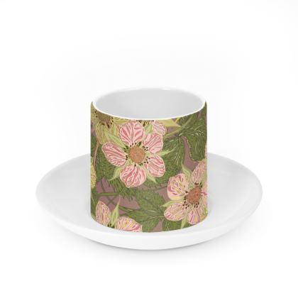 Strawberry Flowers (Natural) Cup