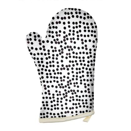 Spot On Oven Glove in Black and White