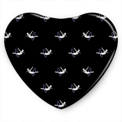 Hoop Diving Black Sweet Heart Tin