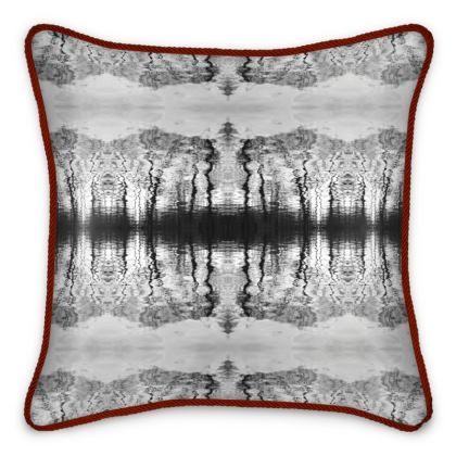 Silk Cushion admiratio