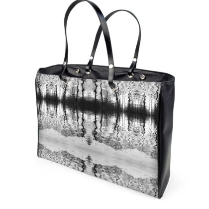 Handbag admiratio