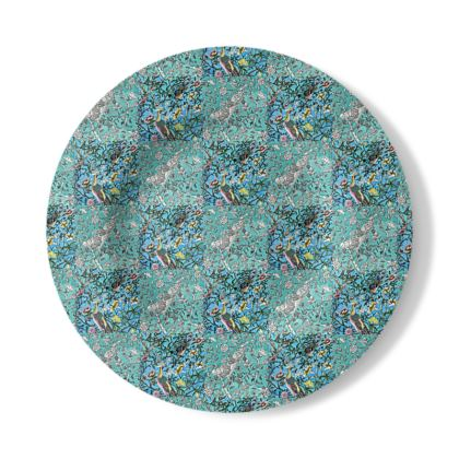 Decorative Plate with Quartered Chinoiserie Design in Blue