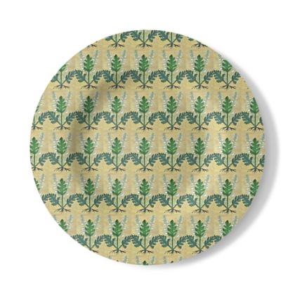 Decorative Plate with Acanthus Design in Cream and Green