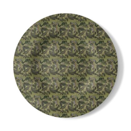 Decorative Plate with Beechleaf Design in Green