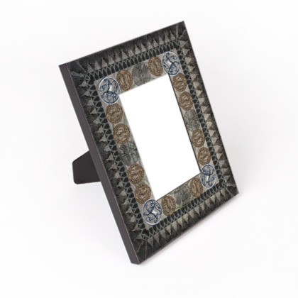 Medallion (portrait) - Photo Frame