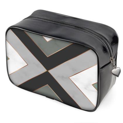 gray geometrical wash bag