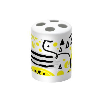 black yellow geometrical toothbrush holder