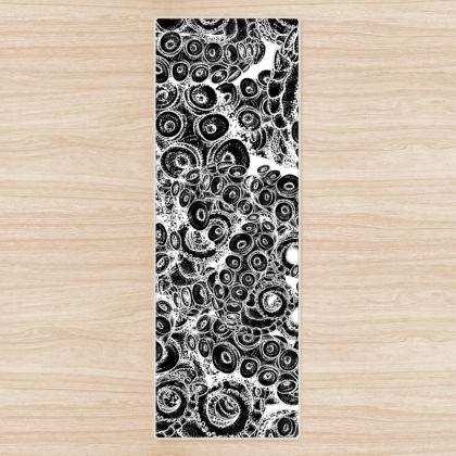 Tentacles Black Yoga Mat