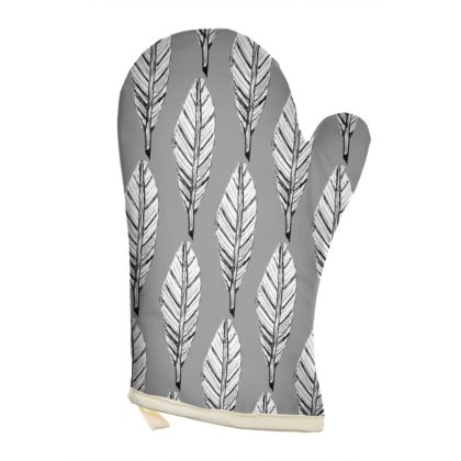 Black and White Feather Oven Glove