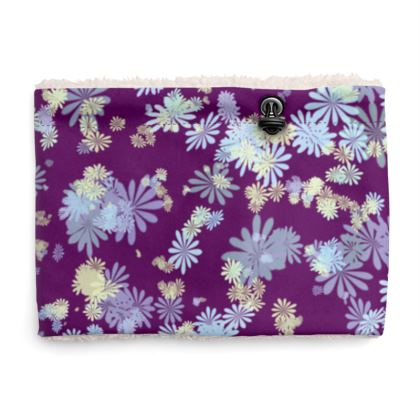Sherpa Snood Neck with Floral Pattern in Purple