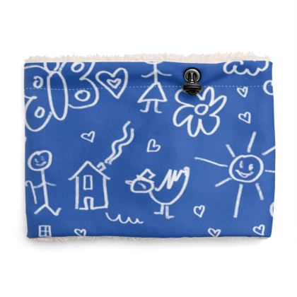 Sherpa Snood Neck with Doodles Pattern in Blue