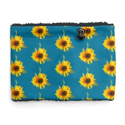 Sherpa Snood Neck with Sunflower Pattern in Blue