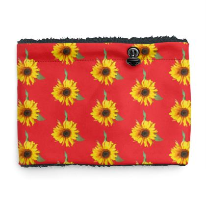 Sherpa Snood Neck with Sunflower Pattern in Red