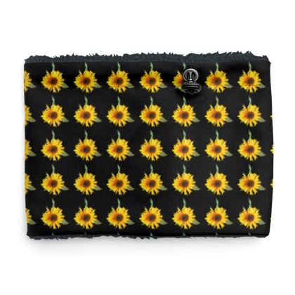 Sherpa Snood Neck with Small Sunflower Pattern in Black