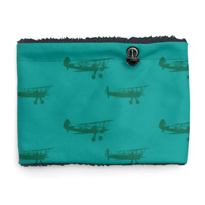 Sherpa Snood Neck with Planes Pattern in Green