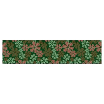 Snowflakes Table Runner (Red/Green)