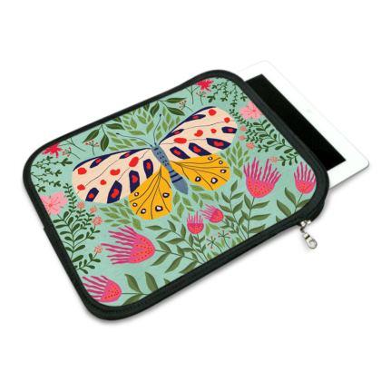 Butterfly in The Garden 02 iPad Slip Case