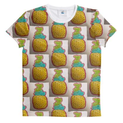 Pineapples belong on pizza or Your tshirt 🤣