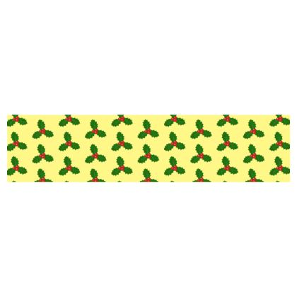 Holly Leaf Pattern Table Runner