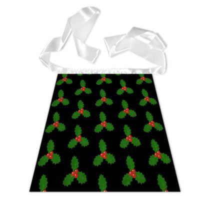 Holly Leaf Pattern German Apron