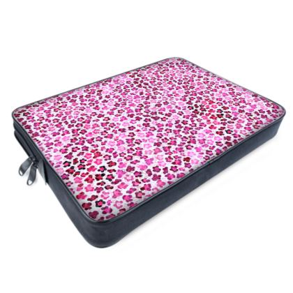 Leopard Skin in Magenta Collection Laptop Bags