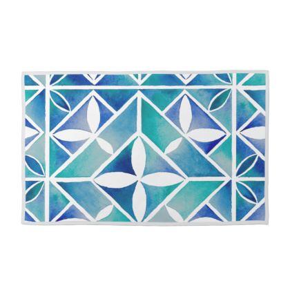 Blue tile towel set