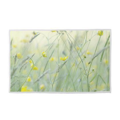 Towel Set in Buttercup Meadow Flower Design.