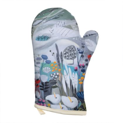 Oven Glove in Natalie Rymer Winters Moon design