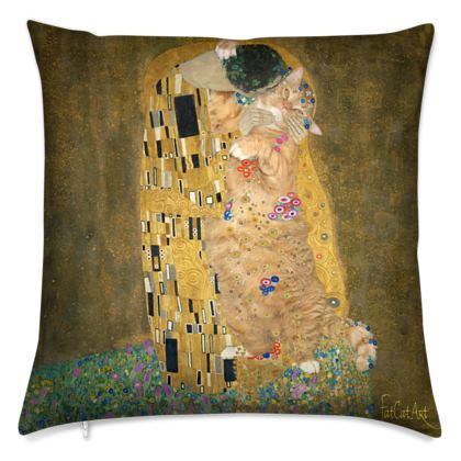 "Cushion ""Klimt's Kiss the Cat"""