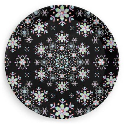 Lacy Snowflake Party Plates
