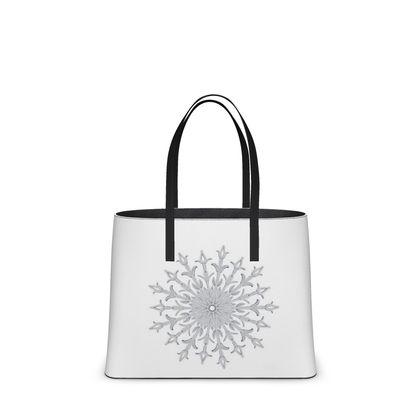 White Christmas, Kika Tote
