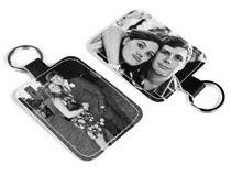 Schlüsselanhänger aus Leder im 3 für 2 Angebot