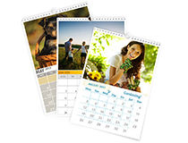Zwei verschiedene Fotokalender A4