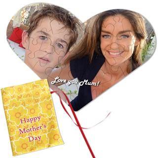 puzzle a forma di cuore con foto mamma