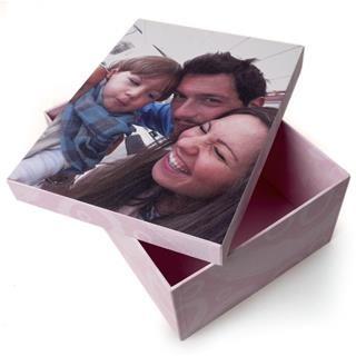 scatola con foto famiglia