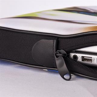 photo laptop case detail