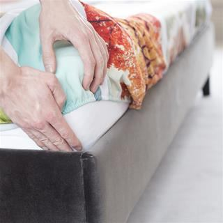 elasticated corner printed fitted sheet