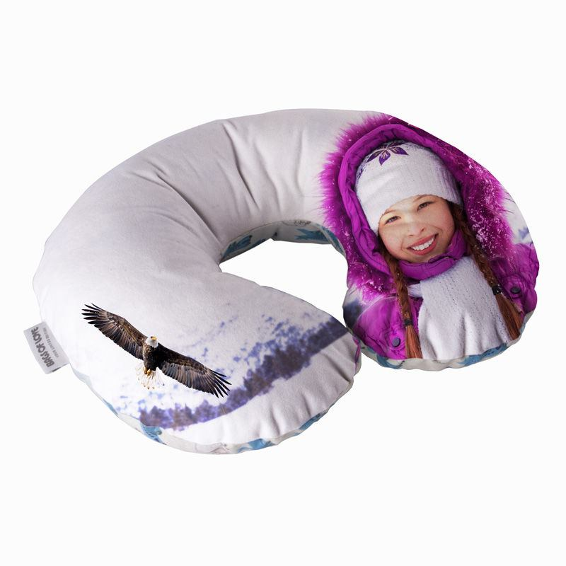 how to travel neck pillow