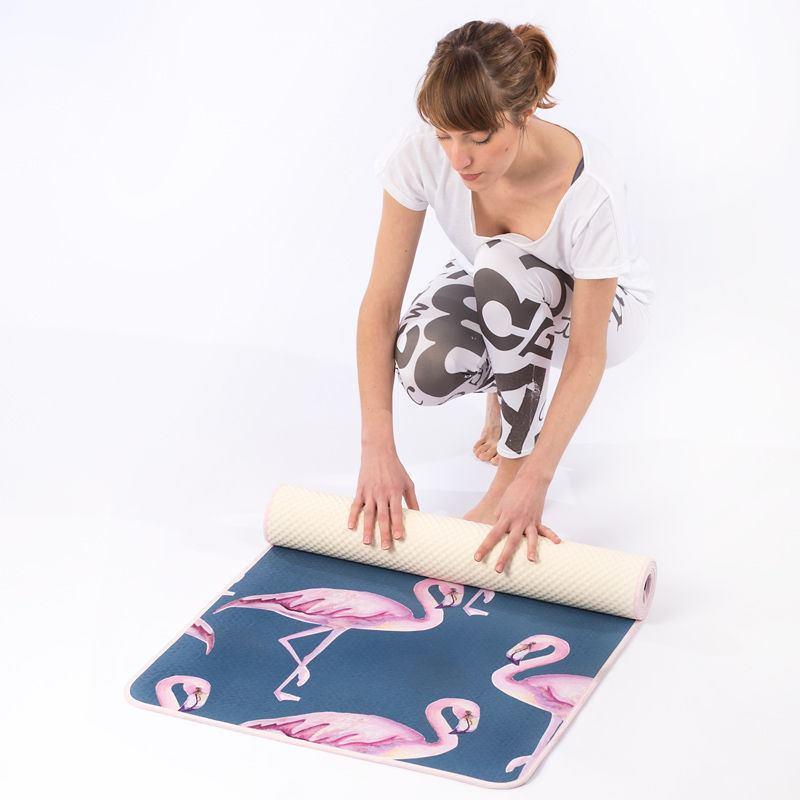 tapis de yoga personnalis impression sur tapis de yoga. Black Bedroom Furniture Sets. Home Design Ideas