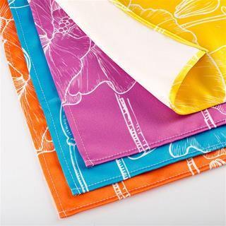tissus imprimés avec ourelets