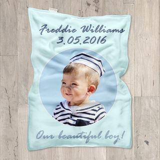 Personlig babyfilt perfekt present för dop eller nyfödd