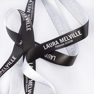 Bracelet ruban personnalisé noir avec logo