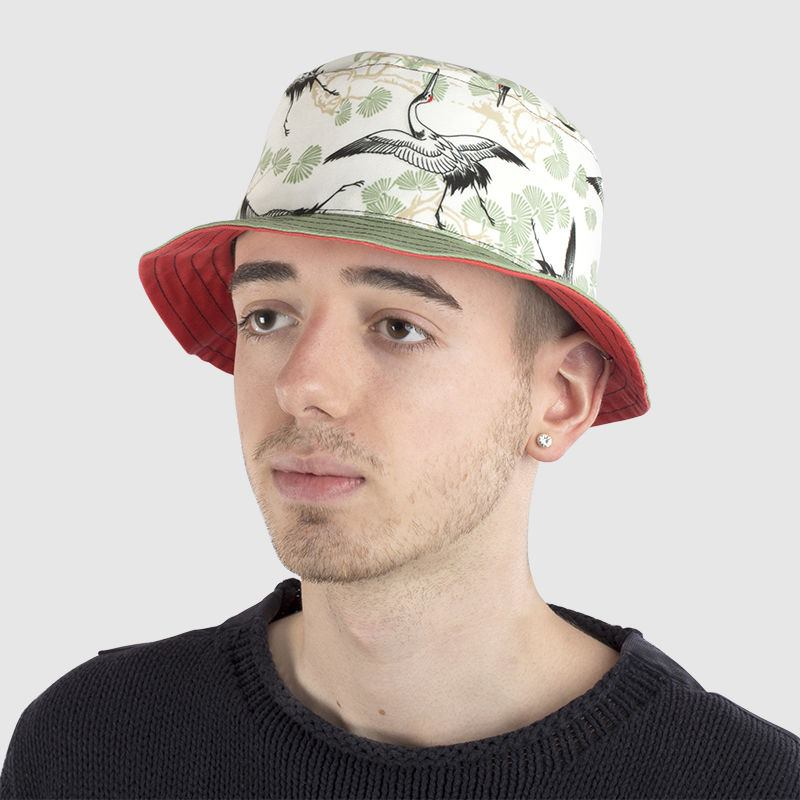 bucket hat Style it with holding image