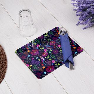 Design violet sur set de table imprimé