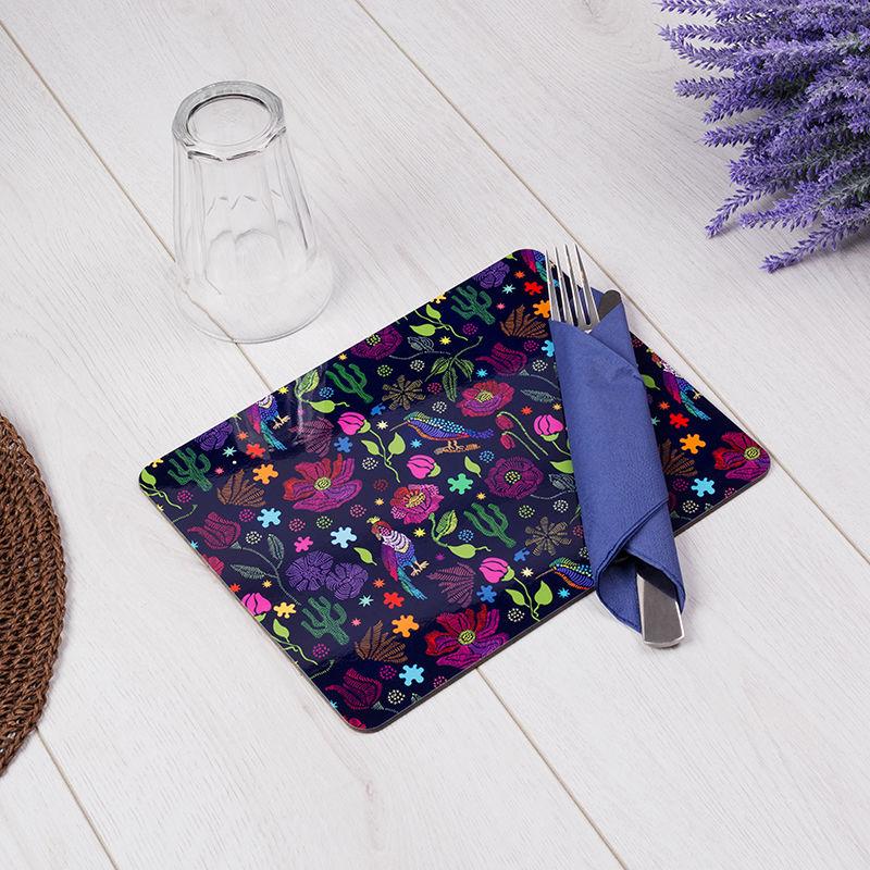 Design violet sur set de table personnalisé