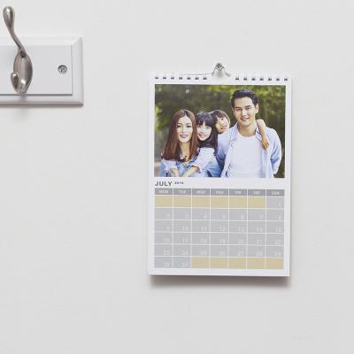 fotokalender zum aufhängen bedruckt mit eigenen fotos