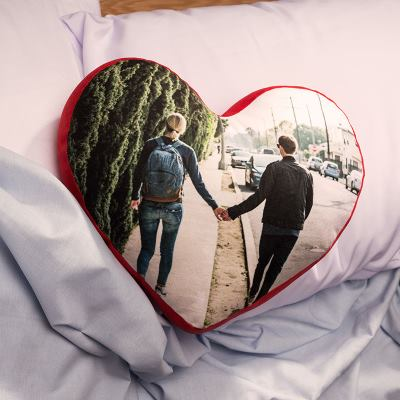 cojín corazón pareja