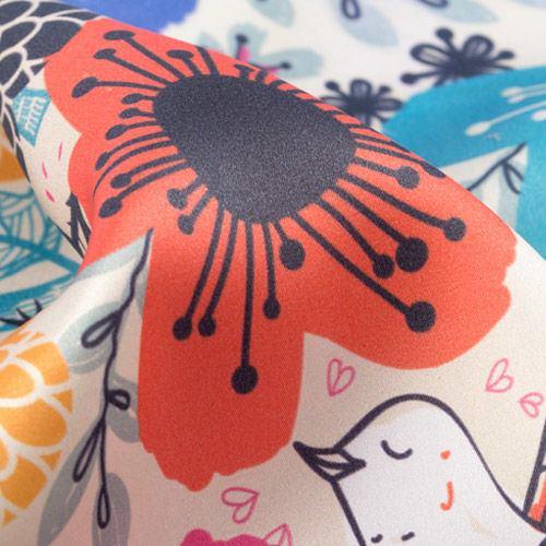 impresión sobre saten seda estampado